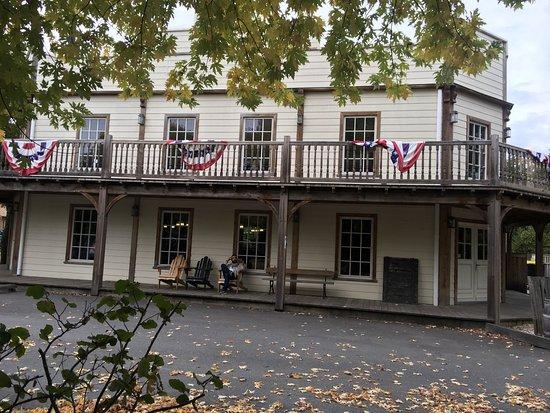 Hourtin, France: Village western en octobre 2016