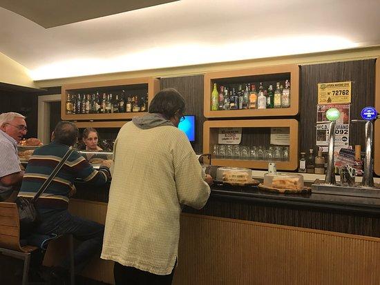 Genesis Cafe - Bar