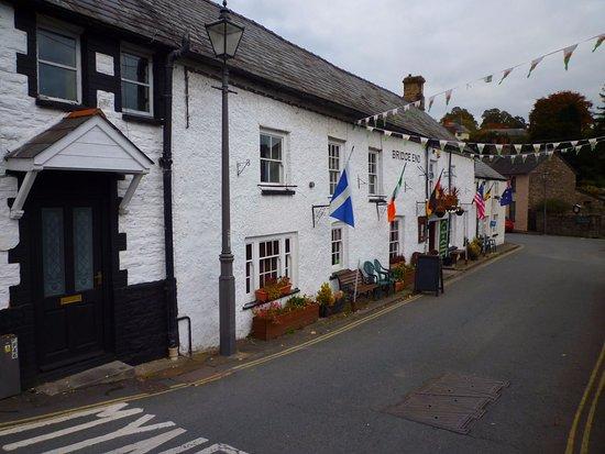 Crickhowell, UK: the inn