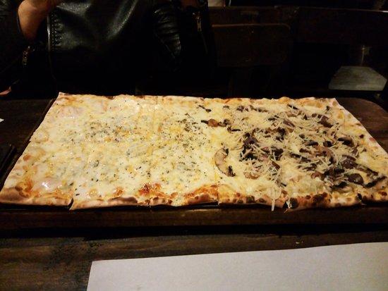 San Fernando, Αργεντινή: Lo que seria la pizza grande (o Portaviones como se llama en el lugar)