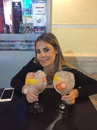 Province of Malaga, Ισπανία: Estuvimos de copas, un sitio correcto y unos gin tonic buenos, Un sitio correcto.