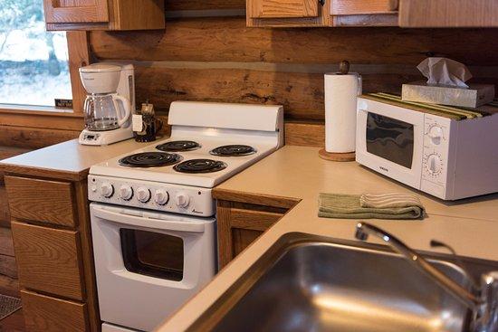 Sandpoint, ID: Log Cabin Kitchenette