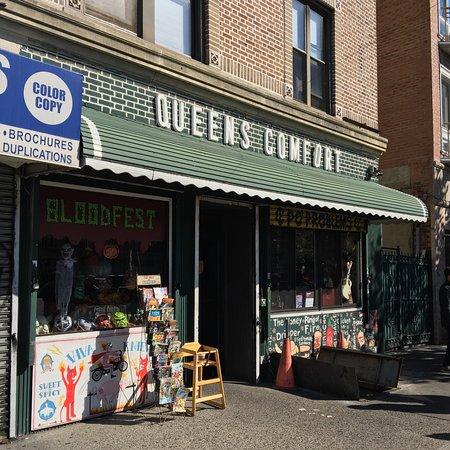 Astoria, NY: storefront