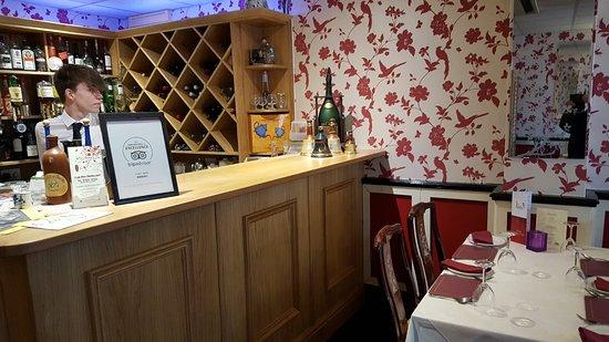 Frodsham, UK: bar