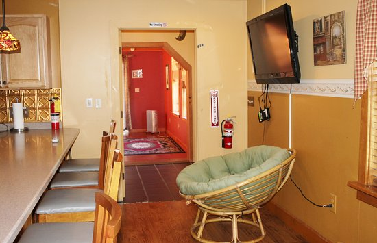 northern family motel back 40 kitchen also includes 2 43 lcd tvs with - Back 40 Kitchen