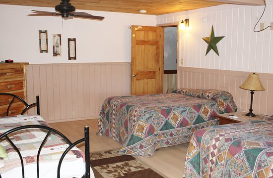 northern family motel back 40 bedroom 2 includes 2 double beds and one day - Back 40 Kitchen