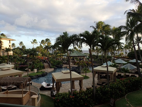 Grand Hyatt Kauai Resort & Spa: Beautiful pool area visible from our room, ocean can be seen in the background