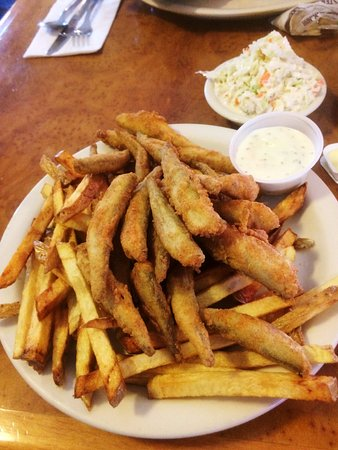 Searsmont, ME : Lunch.... fried smelt and fries...after I had a few of the smelt!