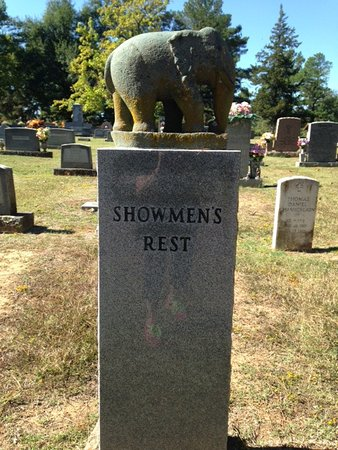 Showman's Rest and Bull Rider's Reprieve : Showmen's Rest in the Mt Olivet Cemetary, Hugo OK
