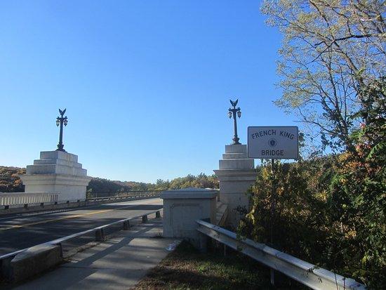 Erving, MA: Bridge entrance
