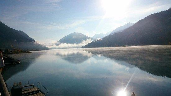 Weissensee, Oostenrijk: Traumhafter Blick auf den See
