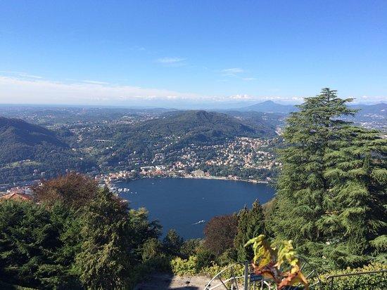 Vista de Brunate - lá embaixo, o Lago.