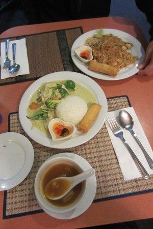 Thai Country Kitchen Restaurant Toronto Chinatown Reviews Phone Number Photos Tripadvisor