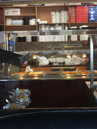 Oakville, Canada: Takeaway counter that also works as buffet table