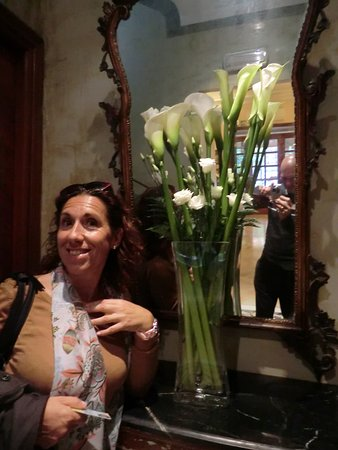 Hotel Lancelot: Hall encantador
