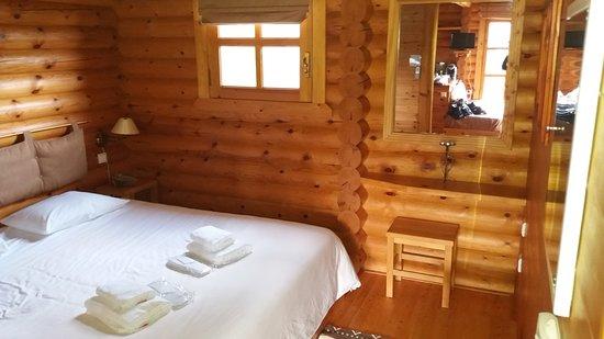 Hyades Mountain Resort: 20161023_152851_large.jpg