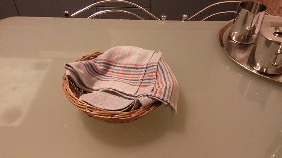 Apartamentos Isla de Lobos: napkins and supplies on the table