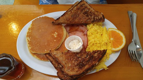 Dana's by the Gorge: Classic Breakfast