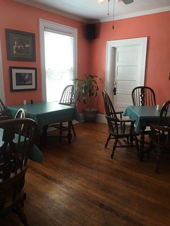 Kinston, NC: Peach Restaurant House
