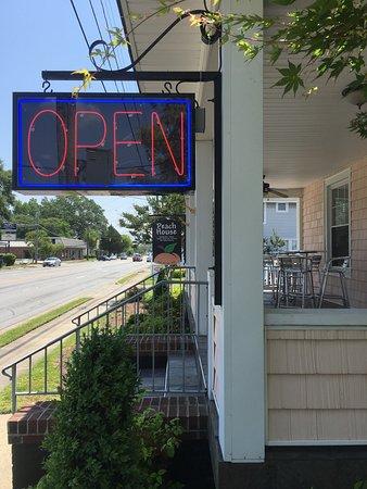 Kinston, Karolina Północna: Peach Restaurant House