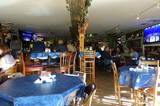 Fryeburg, ME: Bar/restaurant area