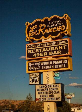 Gallup, نيو مكسيكو: El Rancho sign