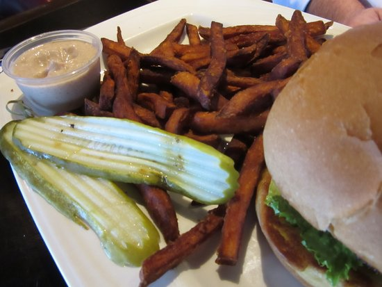Oswego, Estado de Nueva York: Burger and fries - tasty side sauce - house speciality