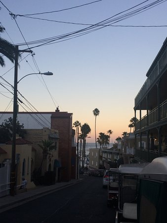 Hotel Catalina: sunset, view from Whitley street