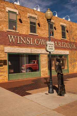 Winslow, AZ: Standin-on-the-corner