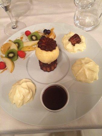 Tamnies, Frankrike: Dessert : cannelé façon profiterole
