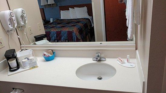 Days Inn & Suites Tifton Photo