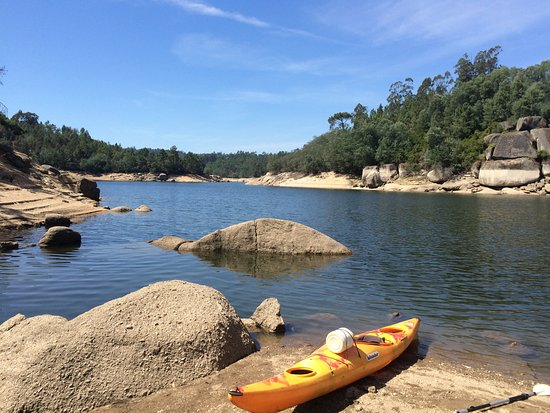 Yurt Holiday Portugal: Kayaking on the river