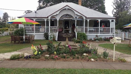Esk, Australië: Historic home, gallery and cafe!
