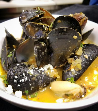 Plover, WI: Blue Mussel & Clam Mixed Bowl