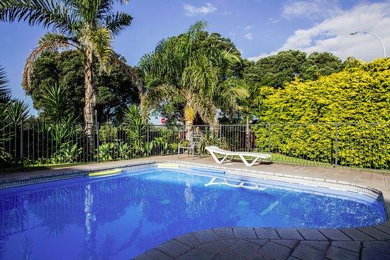 Bennett's Thermal Pools Motor Inn: Outdoor Pool