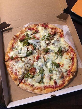Photo of Italian Restaurant Sonny & Tony's Pizza and Italian Restaurant at 400 Ridge Rd, Mahwah, NJ 07430, United States