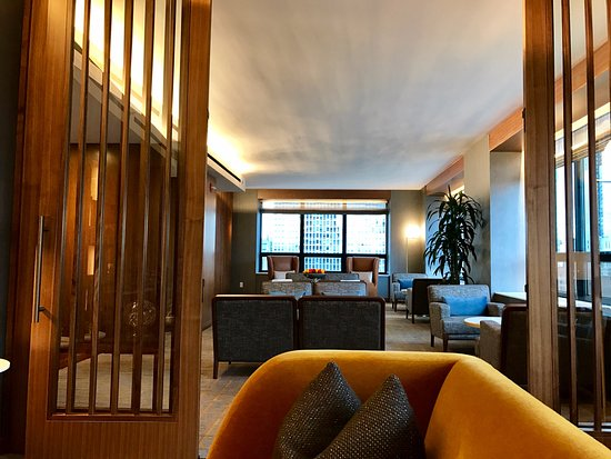 The Ritz-Carlton, Chicago: Club Lounge.