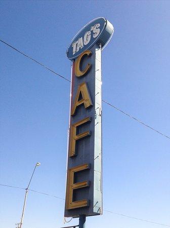 Coolidge, AZ: Nice neon sign!
