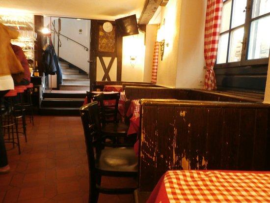 Interior view bild von restaurant zum alten stockli