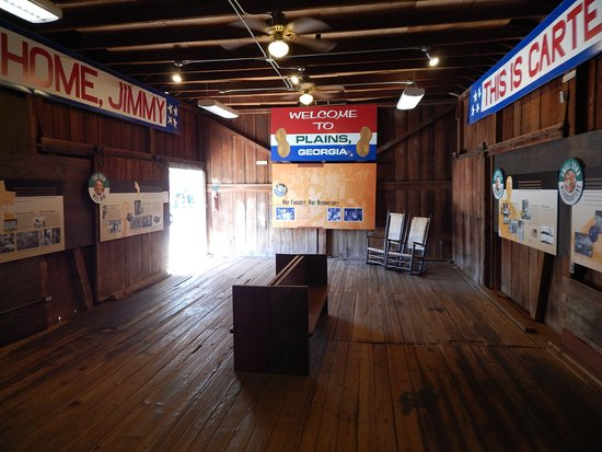 Plains, GA: interior of depot