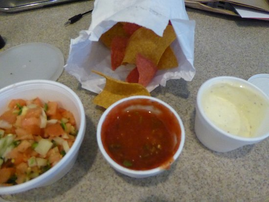 Sterling, VA: Pico, Salsa and Chips