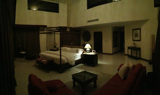 Tabacon Grand Spa Thermal Resort: Master Bedroom panoramic picture