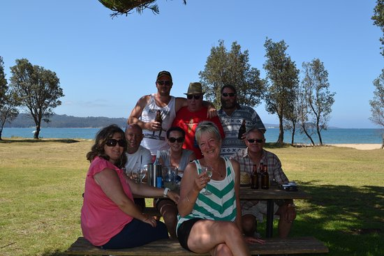 Eden, Australia: Drinks on the lawn