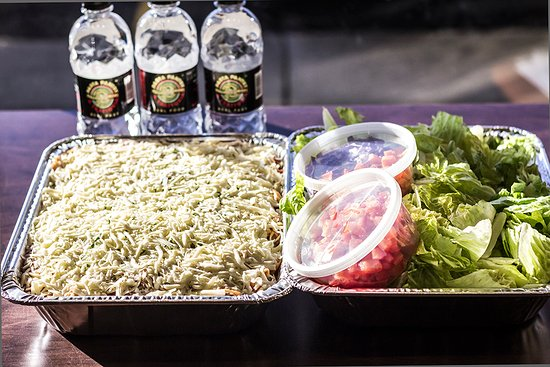 Sherwood Park, Canada: Pasta & Salad trays are great for family functions and office catering.