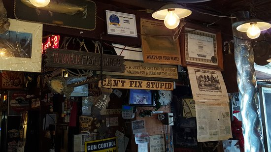 Cortez, FL: Covered in old signs and postings. So much character.