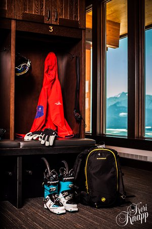 Les Rocheuses canadiennes, Canada : Personal Ski Lockers at Mica Heli