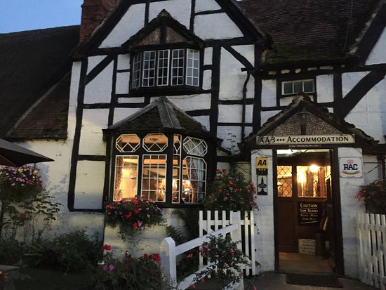 Woolstone, UK: The White Horse Inn - Charming Country Inn