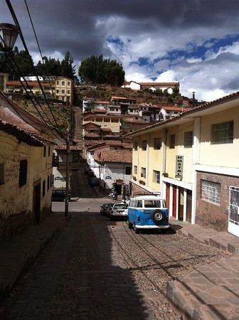 El Balcon: vista da rua onde se localiza a pousada