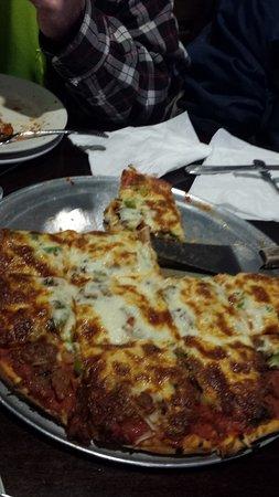 Bolingbrook, IL: Pretty good Pizza