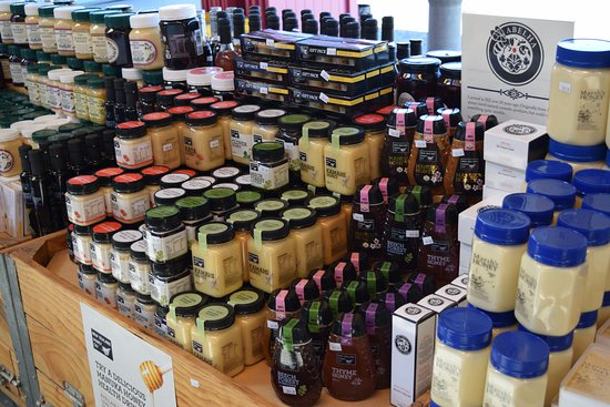 Cromwell, نيوزيلندا: Wide range of honeys